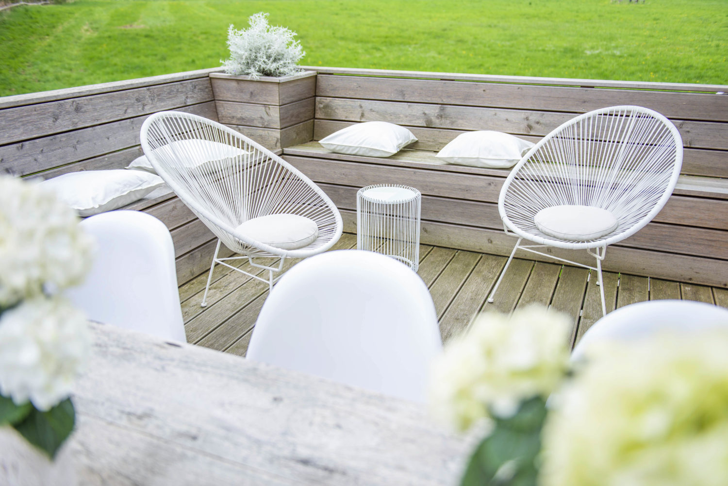 home staging nachher Terrasse mit Acapulcosessel